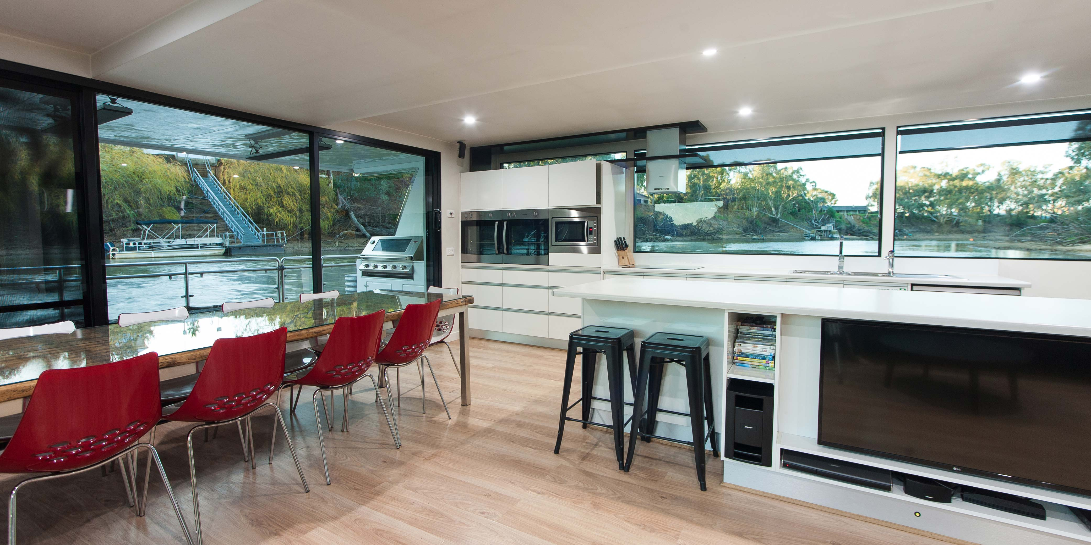 PrevNext 1234567 Your Echuca Luxury Houseboats Experience