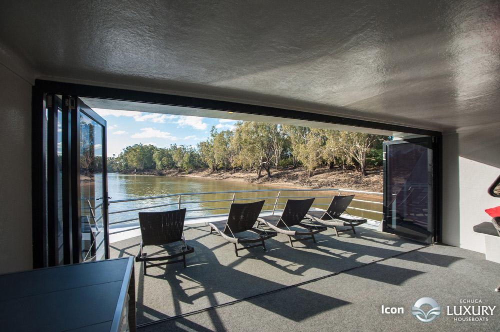 Icon Luxury Houseboat 3